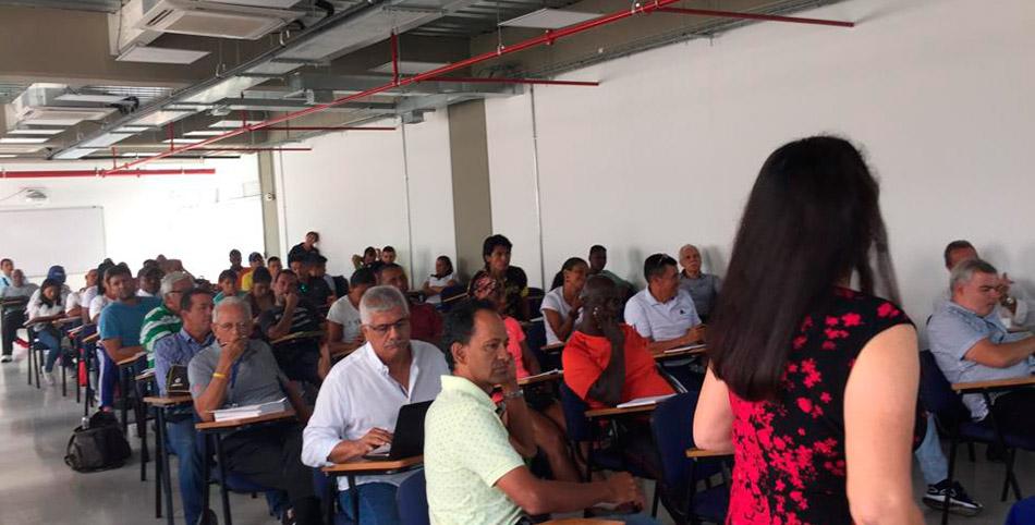 """Objetivos de  la charla escogida para el seminario internacional """" De la escuela a las Olimpiada"""""""